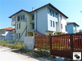 Image No.0-Maison de 4 chambres à vendre à Tryavna