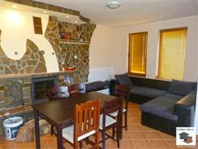 Image No.2-Maison de 4 chambres à vendre à Tryavna