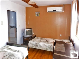 Image No.10-9 Bed House for sale