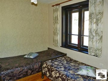 bedrooms, guest houses