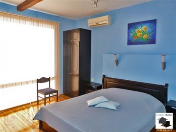 fully furnished, well-developed business as a guest houses