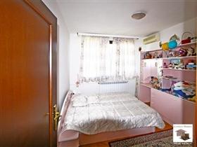 Image No.12-Maison de 5 chambres à vendre à Veliko Tarnovo