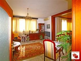 Image No.4-Maison de 5 chambres à vendre à Veliko Tarnovo