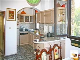 Image No.7-Maison de 5 chambres à vendre à Veliko Tarnovo
