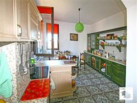 Image No.8-Maison de 5 chambres à vendre à Veliko Tarnovo