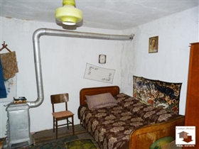 Image No.5-Maison de 2 chambres à vendre à Polski Trambesh