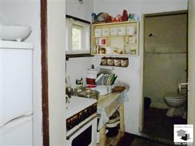 Image No.3-Maison de 2 chambres à vendre à Veliko Tarnovo
