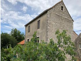 Image No.11-Maison / Villa de 4 chambres à vendre à Bogomolje