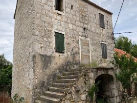 Image No.12-Maison / Villa de 4 chambres à vendre à Bogomolje