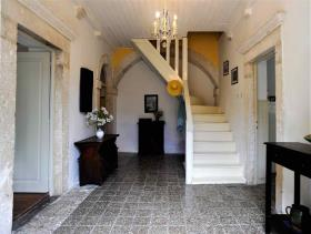 1. 5 Bed House/Villa for sale