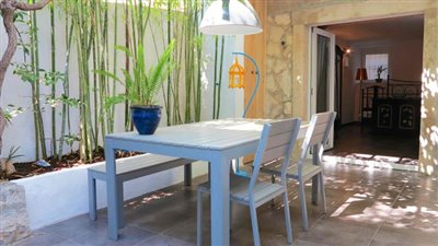 garden-apartment-in-hvar-town1