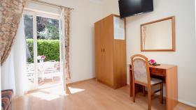 Image No.11-Commercial de 15 chambres à vendre à Vrboska