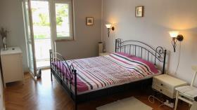 Image No.1-Appartement de 2 chambres à vendre à Vrboska