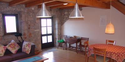 Restored-stone-house-on-Hvar-Island25