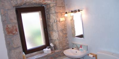 Restored-stone-house-on-Hvar-Island35