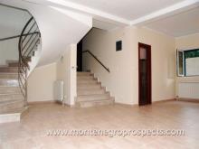 Image No.5-Maison de 4 chambres à vendre à Kumbor