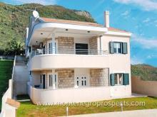 Image No.2-Maison de 4 chambres à vendre à Kumbor