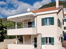 Image No.1-Maison de 4 chambres à vendre à Kumbor