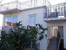 Bijela, House