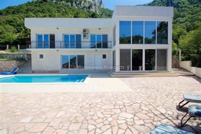 Modern-villa-for-sale-in-Bar-4