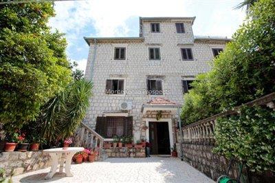 Villa-in-Dobrota-for-sale-2