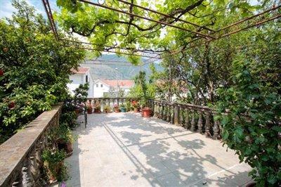 Villa-in-Dobrota-for-sale-7