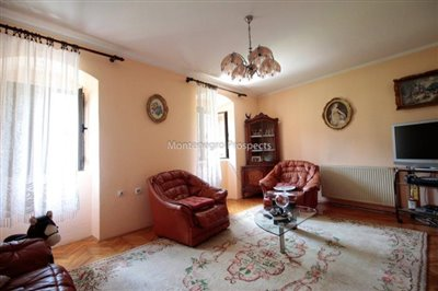 Villa-in-Dobrota-for-sale-14