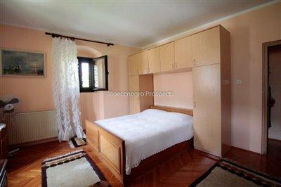 Villa-in-Dobrota-for-sale-16