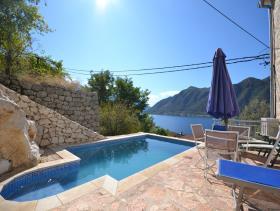 Image No.1-Villa de 4 chambres à vendre à Kotor