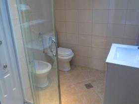 Image No.2-Maison de 6 chambres à vendre à Prcanj
