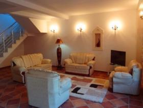 Image No.1-Maison de 6 chambres à vendre à Prcanj