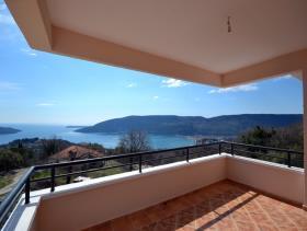 Image No.5-Villa / Détaché de 3 chambres à vendre à Herceg Novi