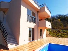 Herceg Novi, Villa / Detached