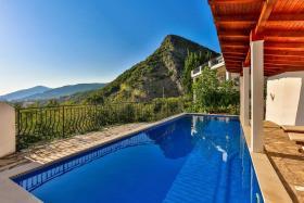 Image No.1-Villa de 5 chambres à vendre à Becici