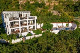 Image No.0-Villa de 5 chambres à vendre à Becici