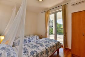 Image No.15-Villa de 5 chambres à vendre à Becici