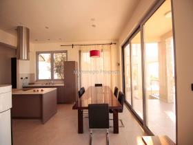 Image No.10-Maison / Villa de 3 chambres à vendre à Kavac