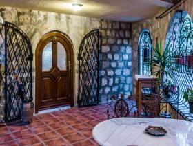 Image No.1-Maison de 4 chambres à vendre à Bar