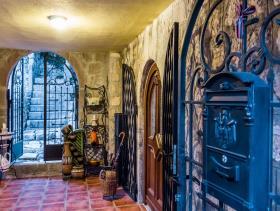 Image No.3-Maison de 4 chambres à vendre à Bar