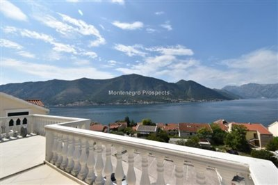 two-bedroom-apartment-with-magnificent-sea-views-Dobrota--8182-16-