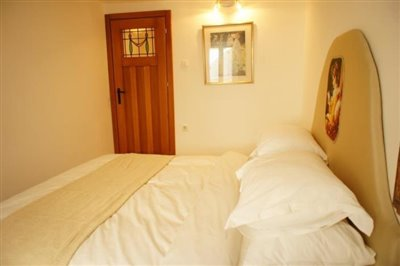 duplex-apartment-in-the-old-town-of-budva-6934--13-