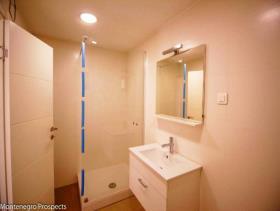 Image No.4-Appartement de 2 chambres à vendre à Dobrota