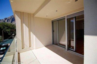 two-bedroom-apartment-ljuta-7913--10-