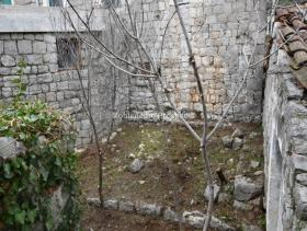 Image No.2-Terrain à vendre à Kotor