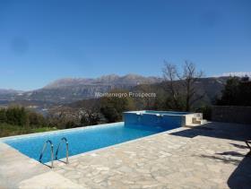 Image No.0-Maison / Villa de 7 chambres à vendre à Tivat