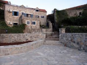 Image No.3-Maison / Villa de 7 chambres à vendre à Tivat