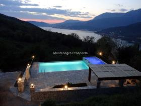Image No.11-Maison / Villa de 7 chambres à vendre à Tivat