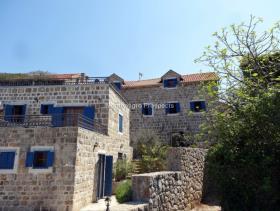 Image No.6-Maison / Villa de 7 chambres à vendre à Tivat