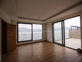 Image No.2-Villa de 3 chambres à vendre à Tivat