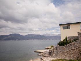 Image No.1-Villa de 3 chambres à vendre à Tivat